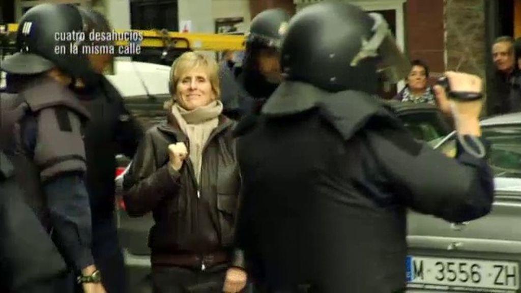 La policía desaloja a Mercedes Milá