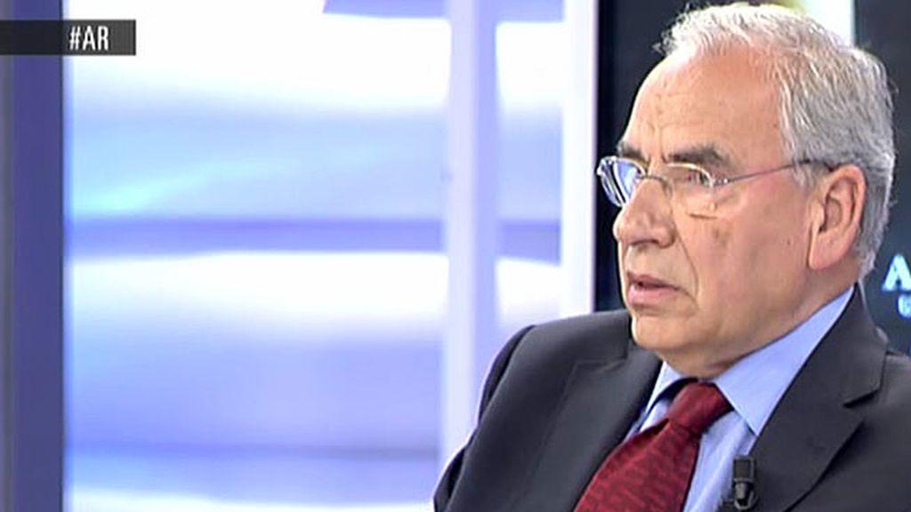 """Alfonso Guerra: """"Una sociedad no puede caminar sin formación"""""""