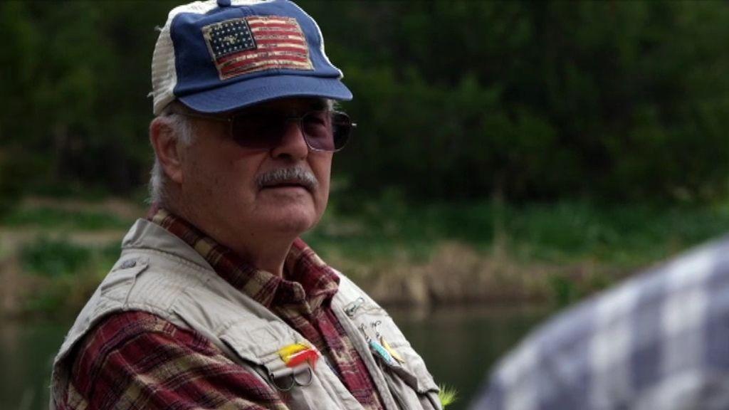 Una retorcida conversación con su víctima sobre la pesca sin muerte
