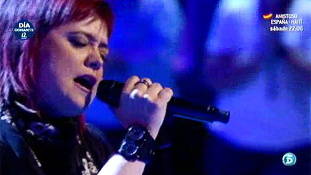 Maika canta 'En tus manos' para Ana Isabel