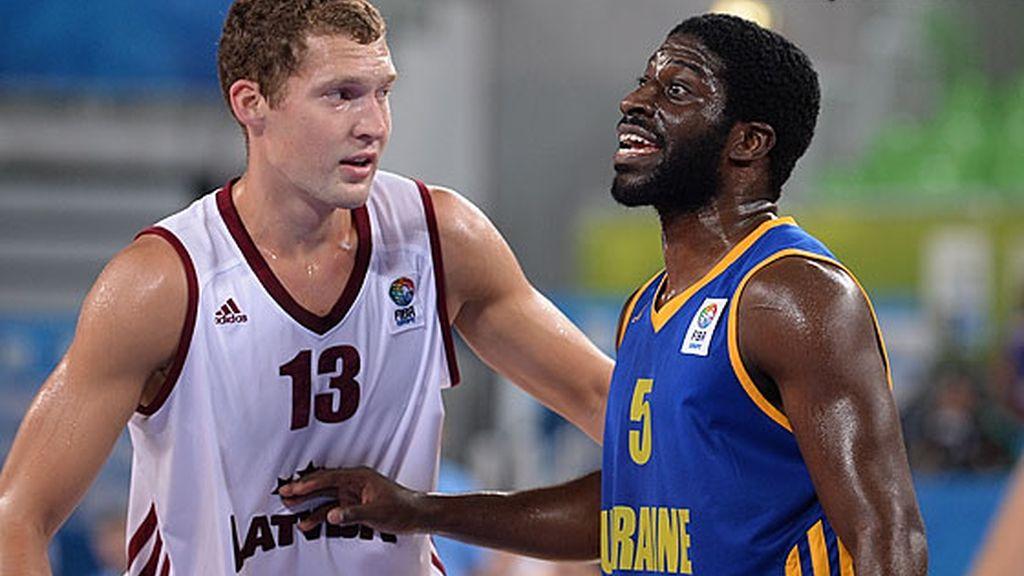 Letonia arrasa a Ucrania (85-51) en su primer partido de la segunda fase