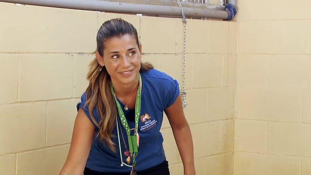 Elena Tablada, voluntaria por un día en ANAA