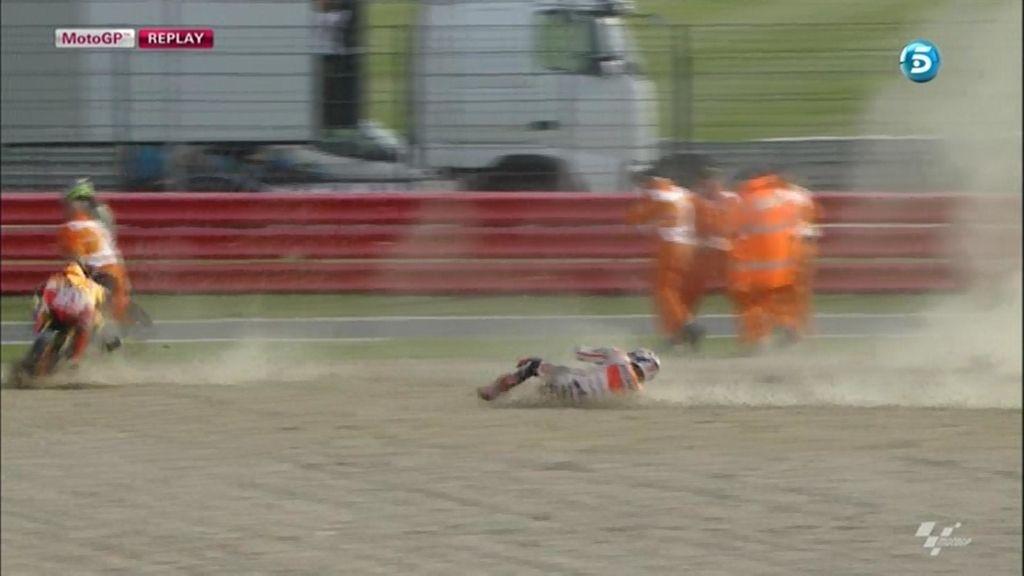 Así fue la brutal caída de Marc Márquez en el Warm Up de Silverstone