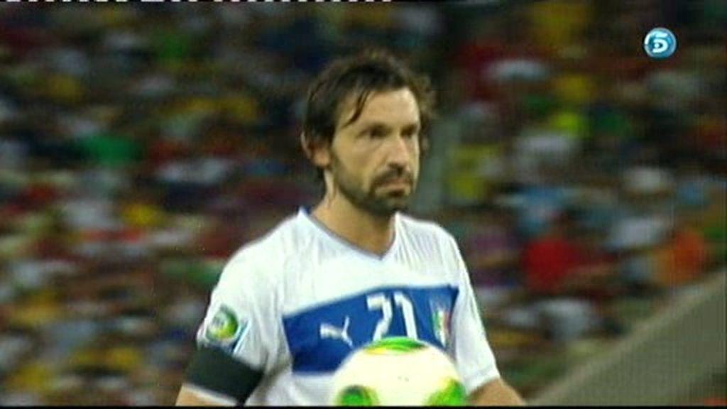 España 4-5 Italia (penalti de Pirlo)
