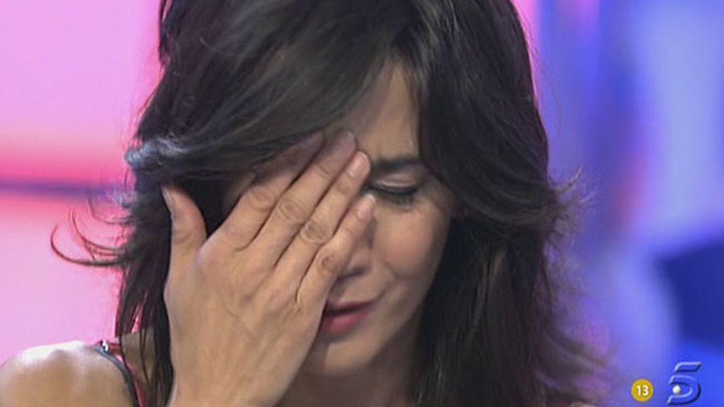 Lili rompe a llorar