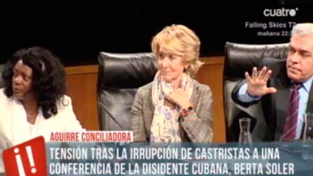 Castristas y disidentes cubanos se enfrentan en un acto de Esperanza Aguirre