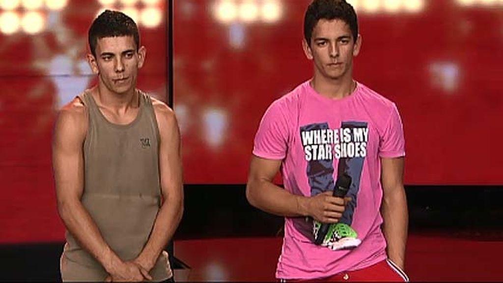 Alex y Mihai, 17 y 19 años, streetstunt