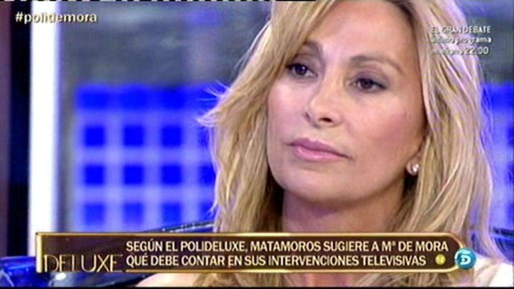 María Patiño pregunta a María de Mora con quién tenía una acalorada conversación