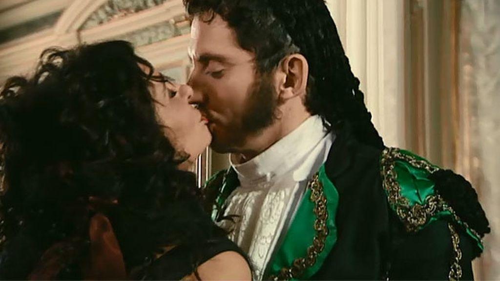 Paz y Luisma, un beso 'histórico'