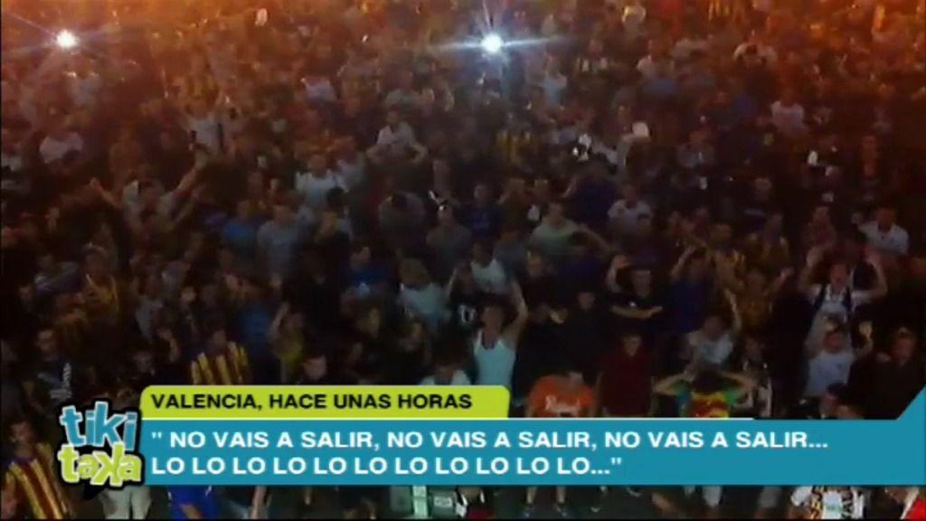 """Lío en Mestalla: """"¡No vais a salir!"""""""