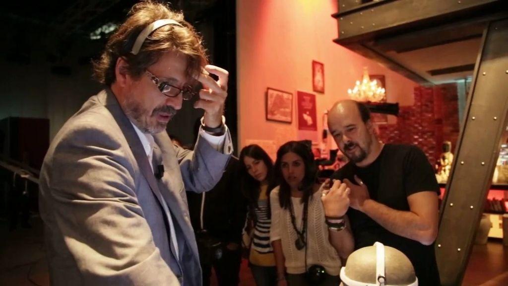 El Dr. Gaona mide las ondas cerebrales