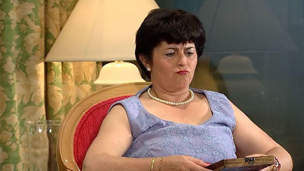 Mª Carmen descubre que Houda es bisexual
