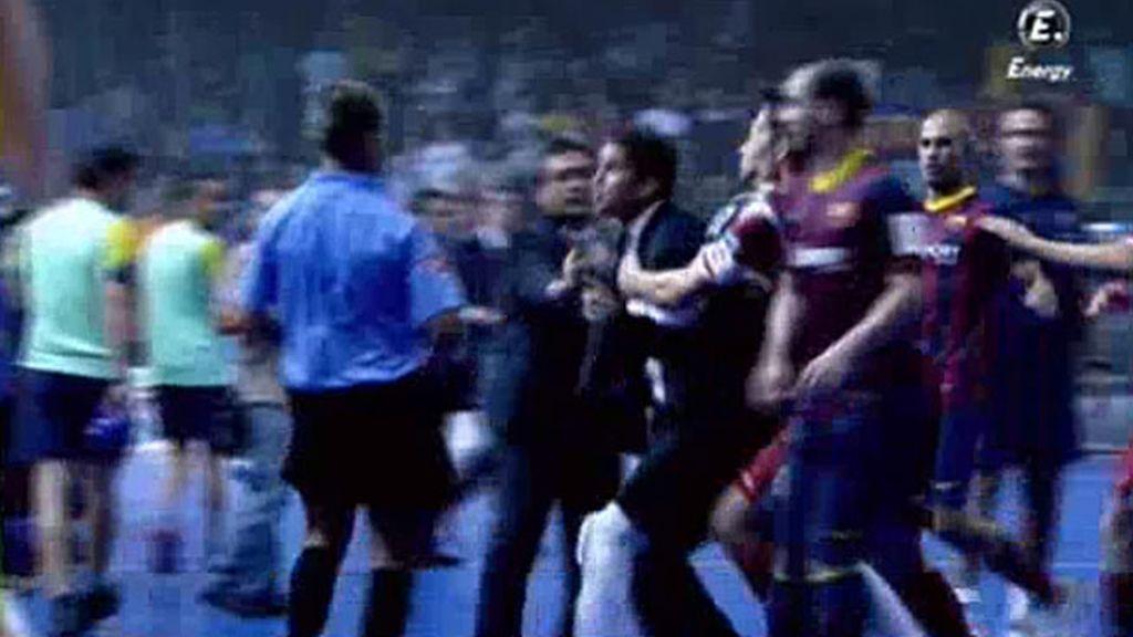 Duda se va a por el árbitro al terminar la Supercopa de España contra el Barcelona