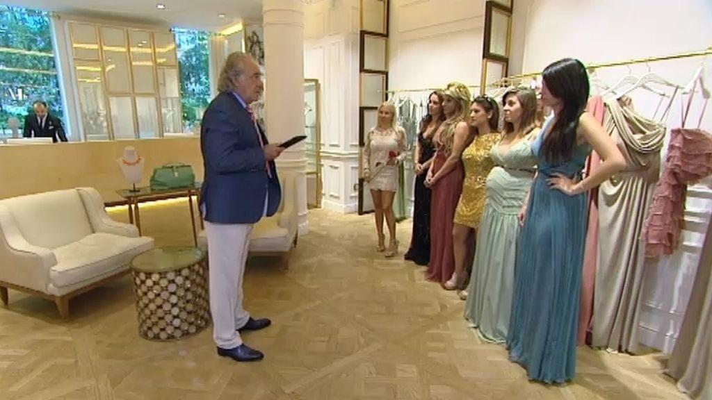 Armando compra vestidos a las pretendientas