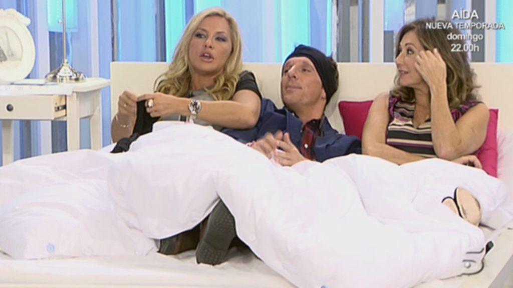 Ana Rosa, Tárrega y Joaquín, juntos en la cama
