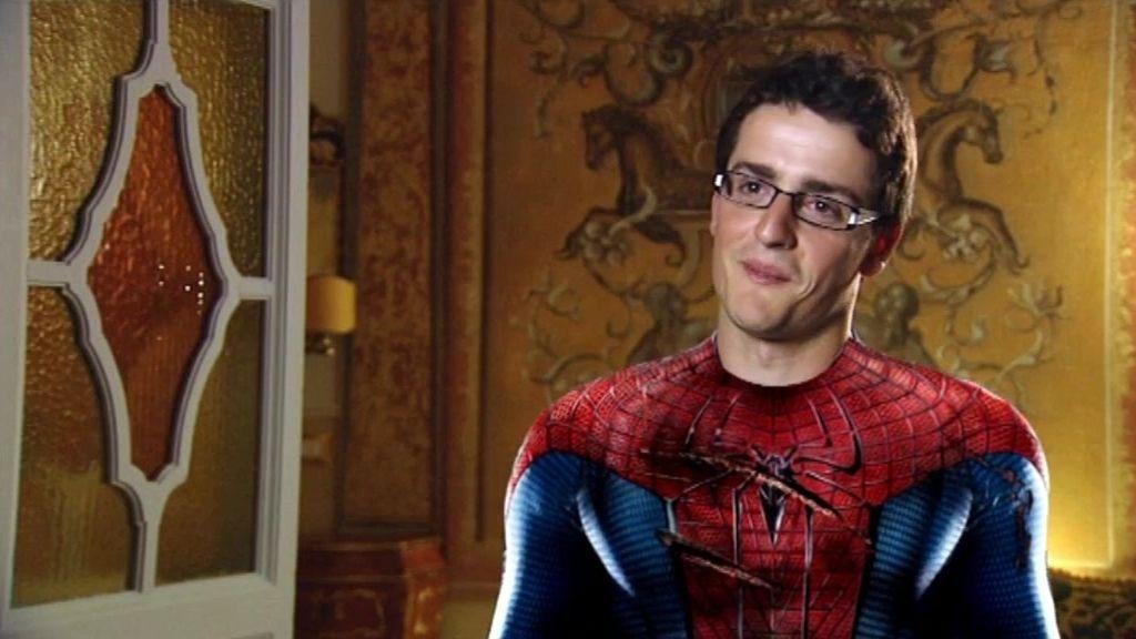 Capitán América deja de ser un súper héroe y se desata en Roma