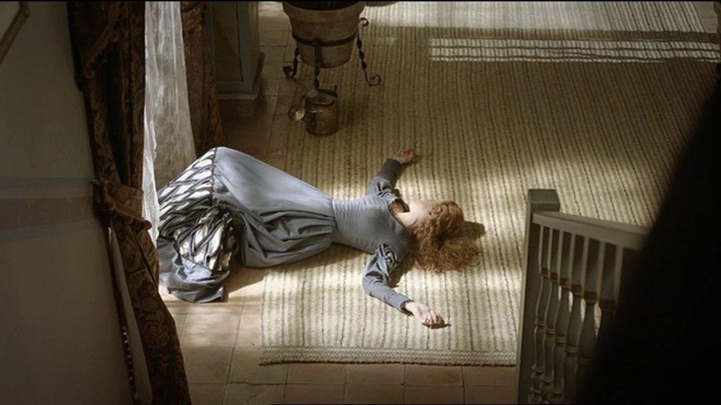 Lobo empuja a Elena