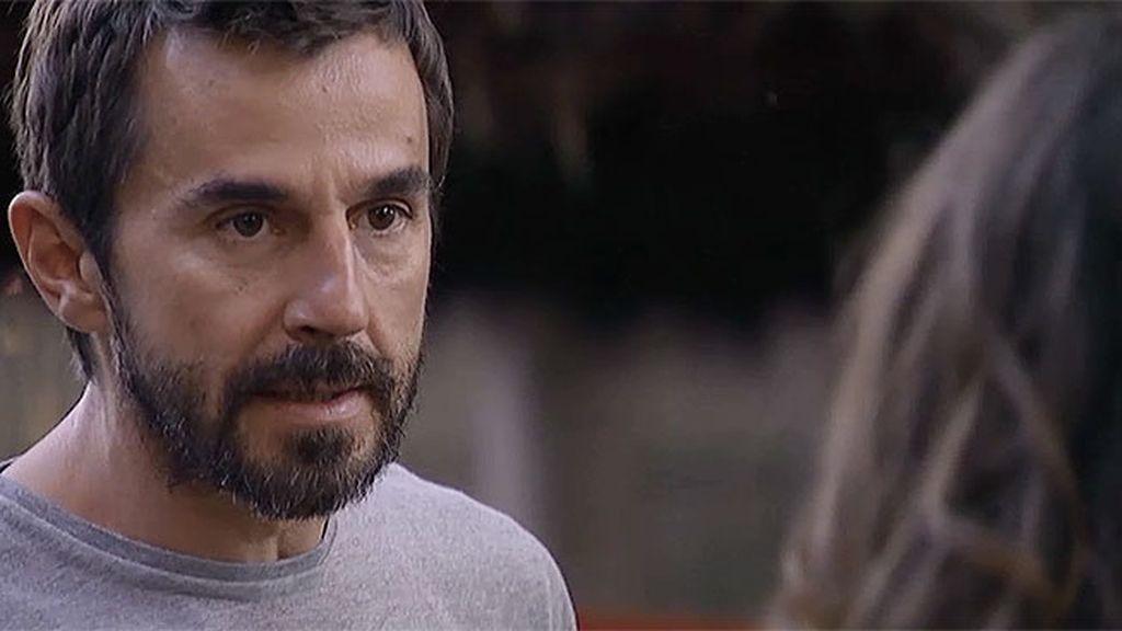 Pablo descubre que Pilar le contó a Teresa lo suyo con Ana