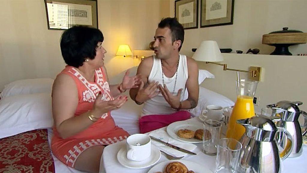 Fran cuenta a su madre sus besos y masajes