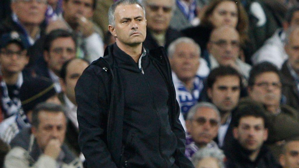 """Mourinho: """"España tiene el balón pero no tiene peligro"""""""