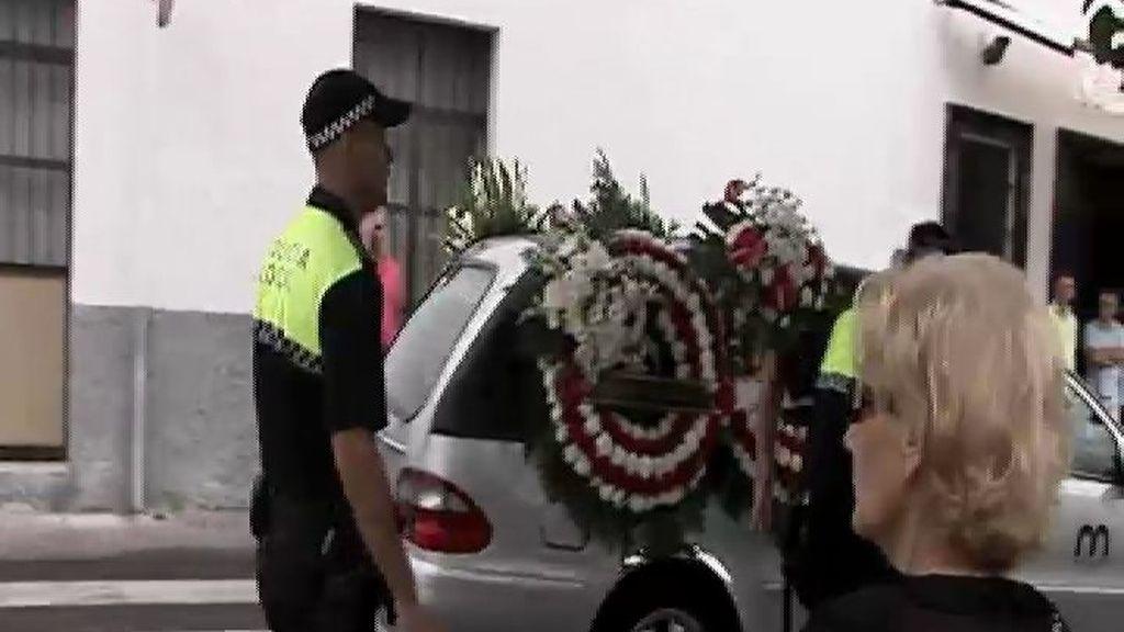 Emotivo funeral de una de las víctimas de la tragedia de Santiago