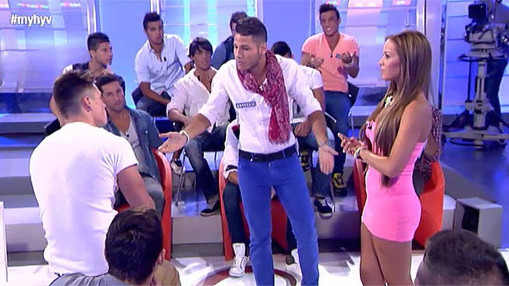 Tito acusa a Manu de enrollarse con una chica