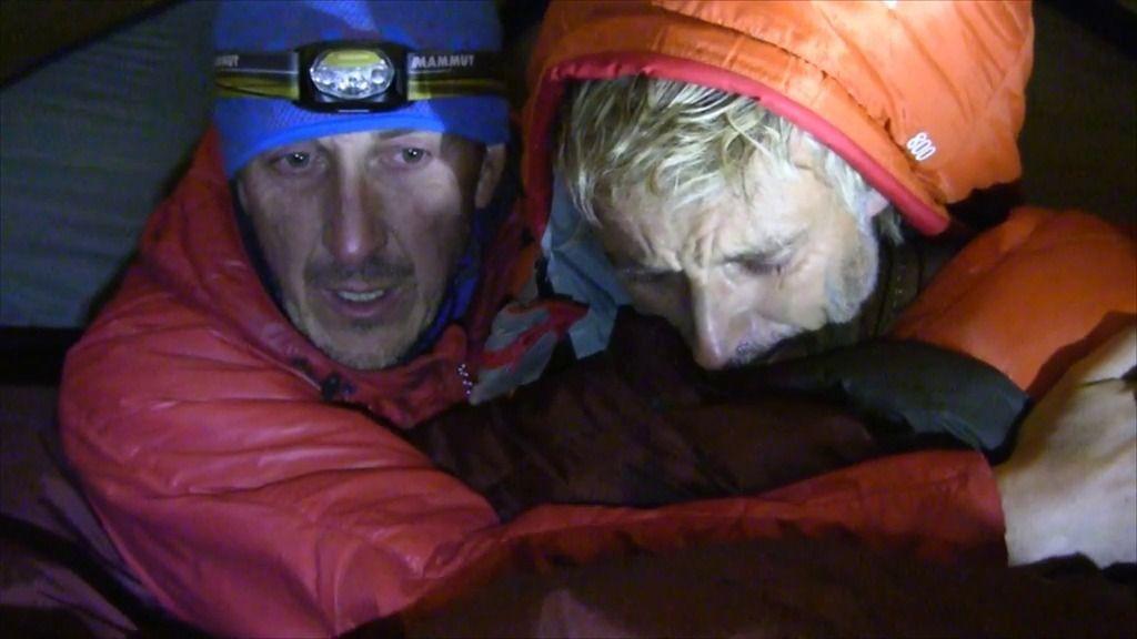 Jesús Calleja sufre un ataque de hipotermia en el campamento de Abjasia