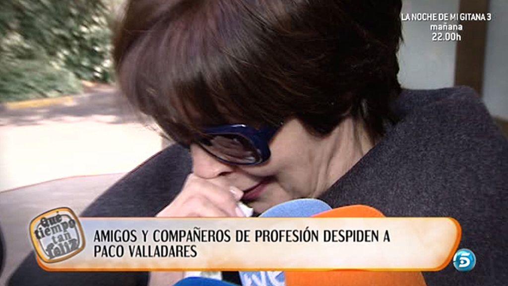 Decenas de compañeros y amigos despiden a Paco Valladares