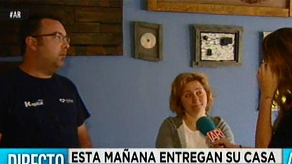 Mari Ángeles y Miguel entregan su casa