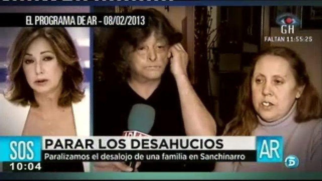 'AR' paraliza el desahucio de una familia en Sanchinarro