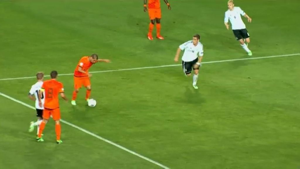Gol: Holanda 1-0 Alemania (min. 24)