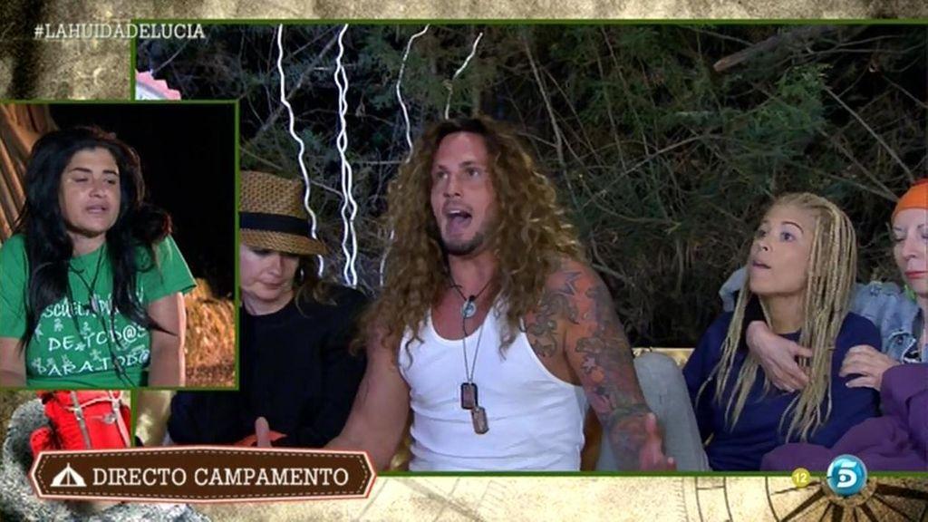 Jeyko y Gaby increpan a Lucía en directo
