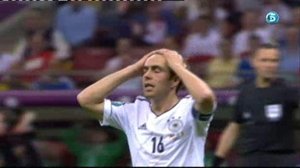 Lahm roza el gol alemán