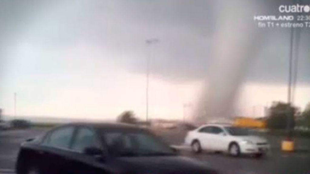 El tornado de Oklahoma arrasa una gasolinera en 16 segundos