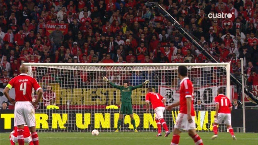 Cardozo empata para el Benfica de penalti