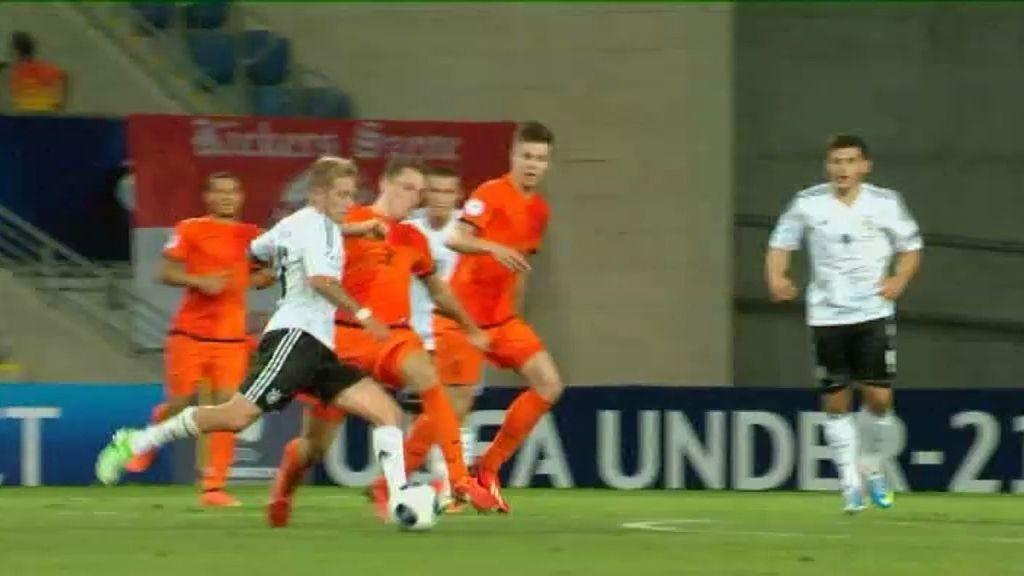 Gol: Holanda 2-2 Alemania (min. 81)