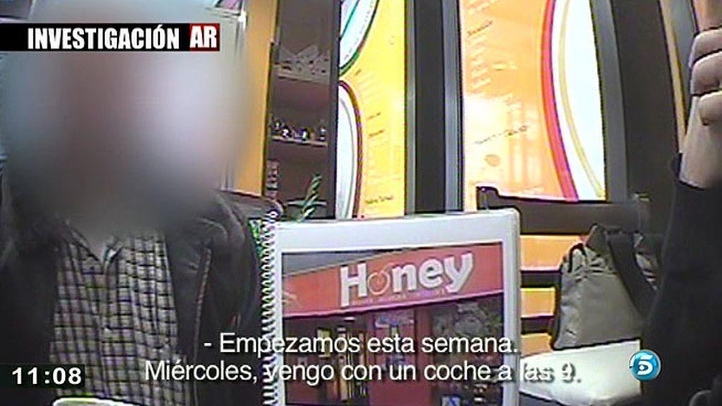 'AR' descubre como las organizaciones contactan con los españoles que se prestan a contraer matrimonio