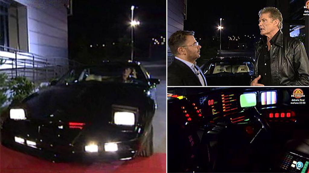 David Hasselhoff llega a Madrid conduciendo su coche fantástico
