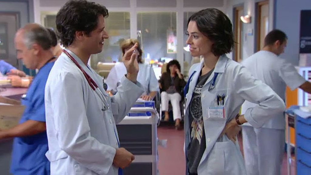 Javier encuentra el anillo de compromiso de Raquel