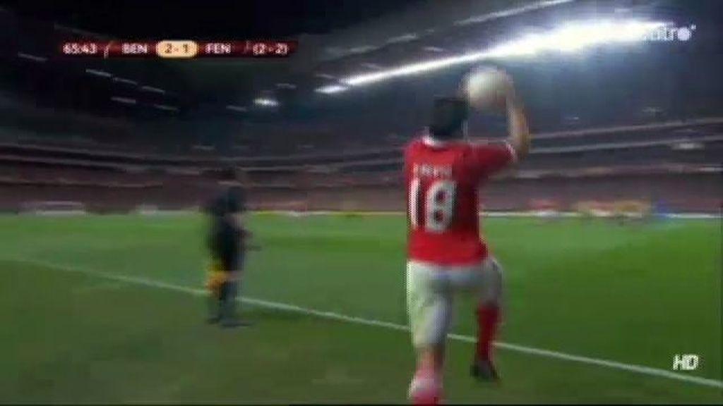 Cardozo mete el tercero del Benfica
