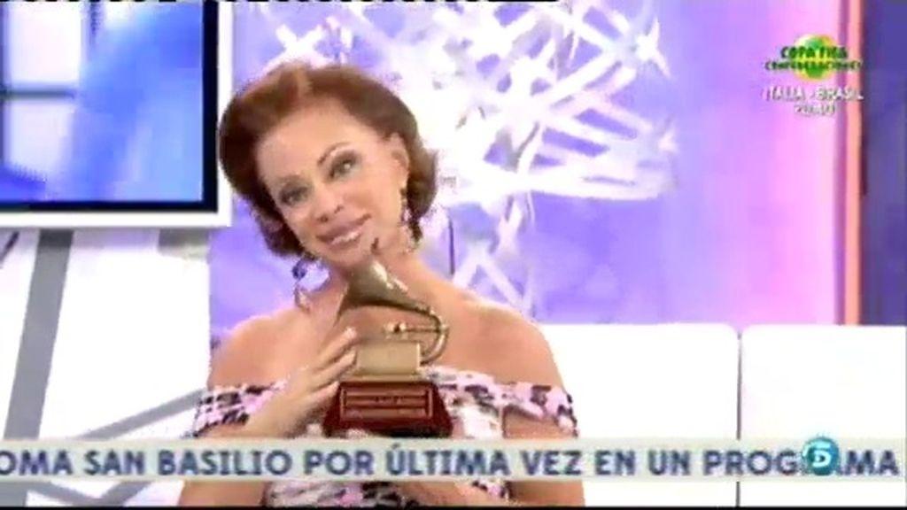 Paloma San Basilio canta 'Luna de miel'