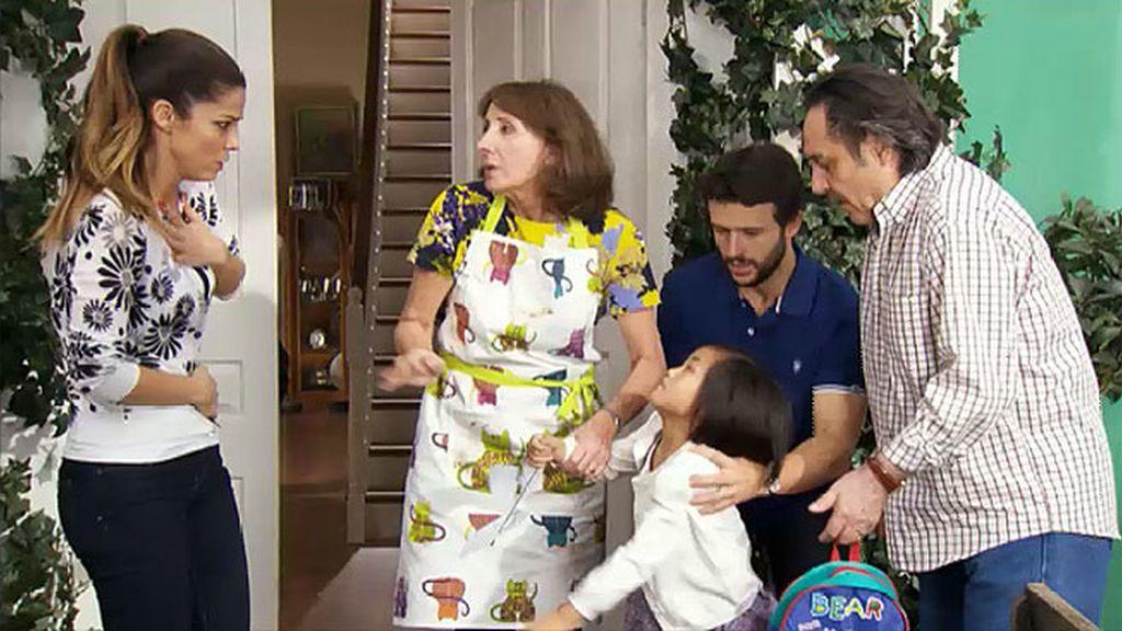 Manolo se equivoca de niña y se lleva a casa a Araceli