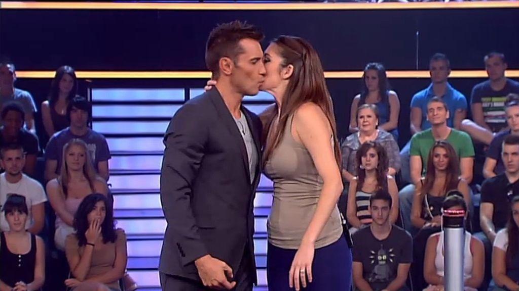 Un beso de parte de todas