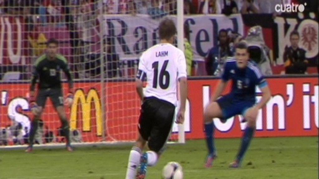 Golazo alemán para dañar a Grecia