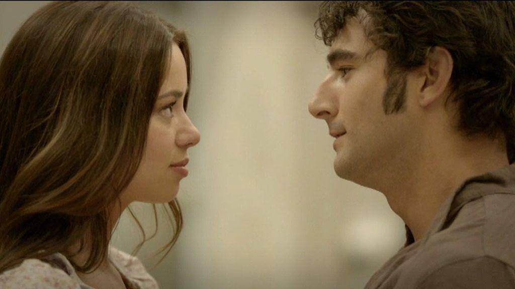 Aníbal le pide a Nieves que se case con él