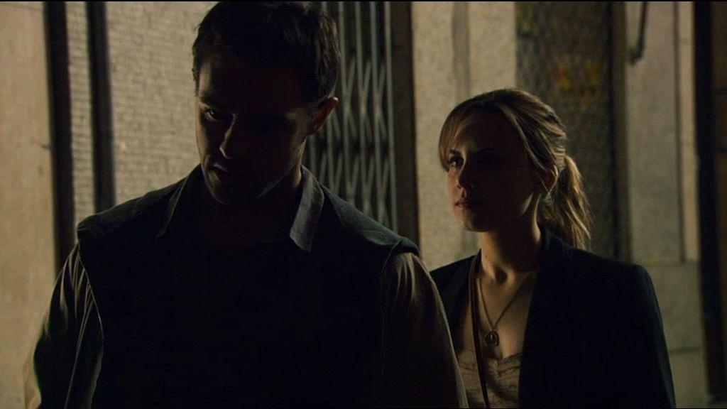 Natael habla con Valeria