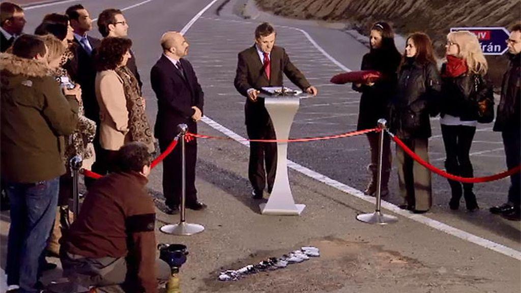 Inauguración de parche de carretera