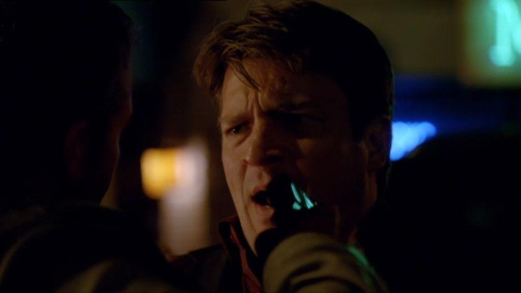 """Castle: """"Perdona por lo de la patada en los… ya sabes"""""""