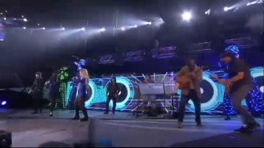 Carlos Jean 'la lía' en el escenario