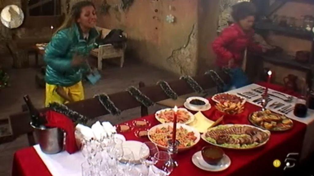 Las 'acorraladas' celebran la final con una gran cena